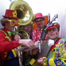 01-Clowns-Musicos
