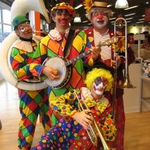 02-Clowns-Musicos
