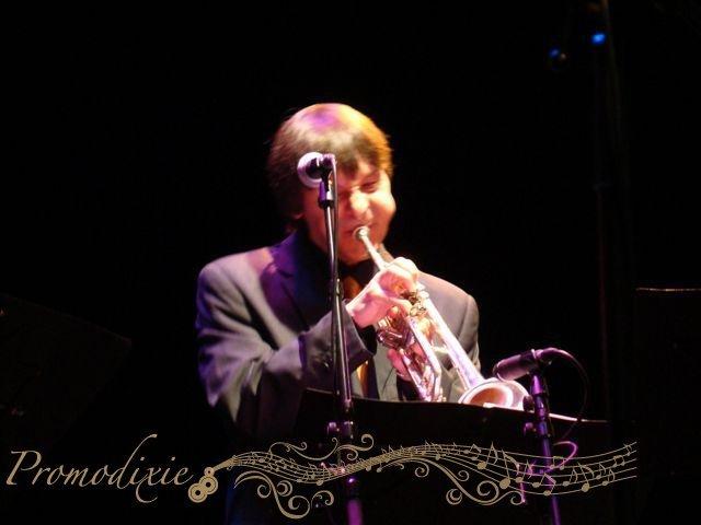 04-retro-jazz-band