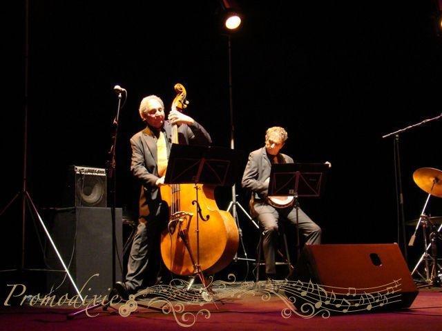 07-retro-jazz-band